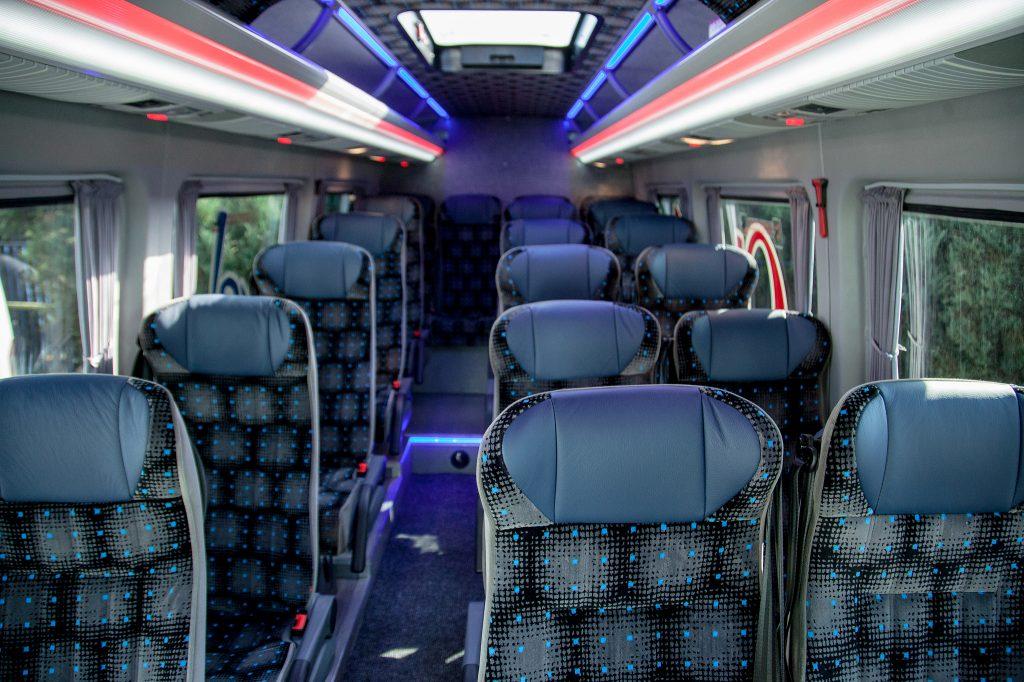Microbuz 19 locuri